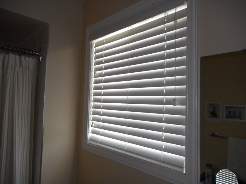 Fauxwood Blinds in Bathroom